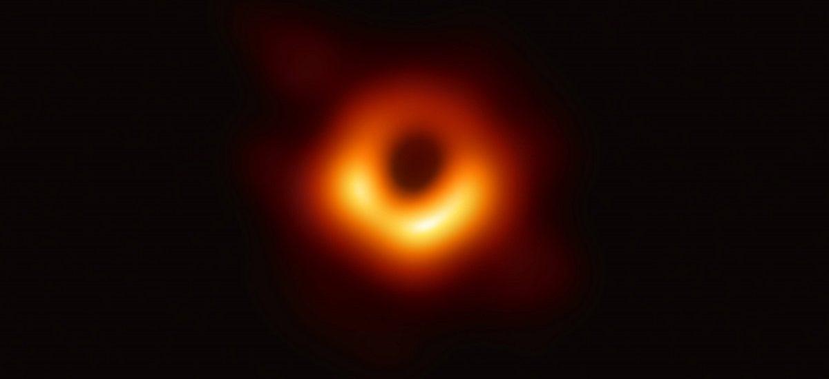 Snimljena prva fotografija crne rupe u istoriji