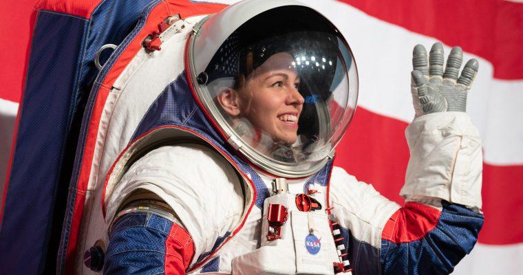 NASA predstavila novu generaciju svemirskih odela za boravak na Mesecu i Marsu