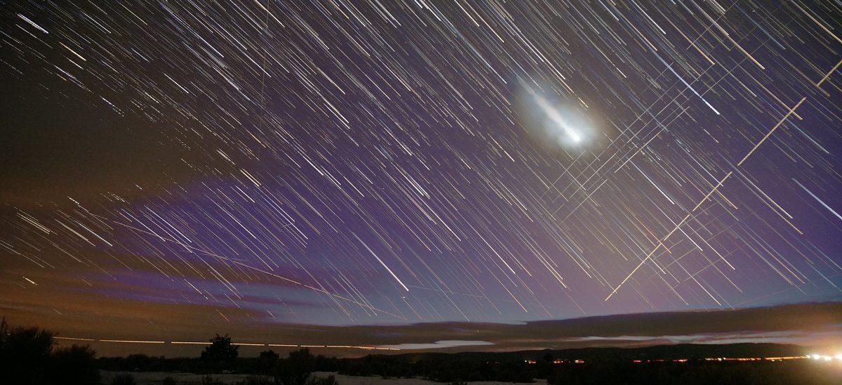 Starlink sateliti: Kako obezbediti internet celoj planeti a sačuvati noćno nebo
